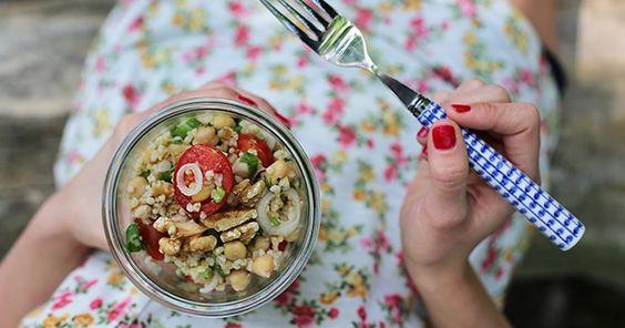 Rezept für Bulgursalat mit Kichererbsen und Tomaten ✓ schnell und vegan ✓  ☆ Jetzt nachkochen!