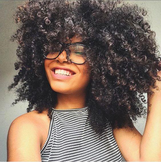13 segredos infalíveis para um cabelo crespo (ainda mais) fabuloso: