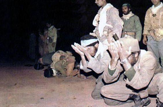جبهه به روایت تصویر - نماز اوج بندگی