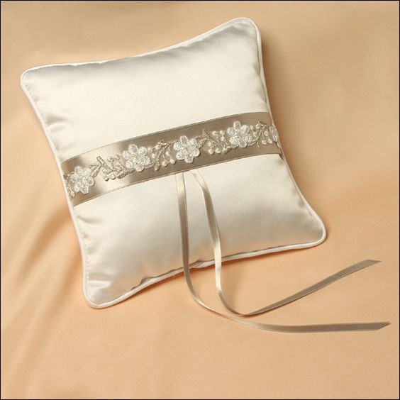 Ring Bearer Pillow - Royale