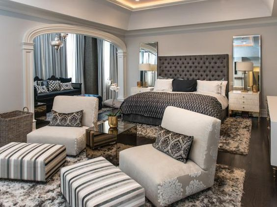 28 Fabulous Master Bedrooms With Sitting Area Gray Master Bedroom Master Bedroom Sitting Area Large Master Bedroom Ideas