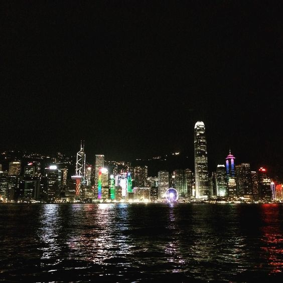 #iphoneography #travelphotography #cina #hongkong #china #skyline #night #reflection