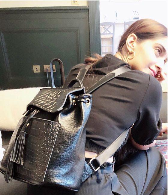 Pin By Widad Maaz On Sonam Kapoor Leather Backpack Leather Sonam Kapoor