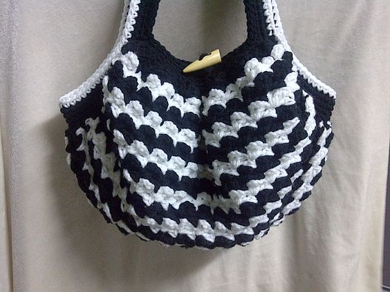 Black and white crochet bag by me