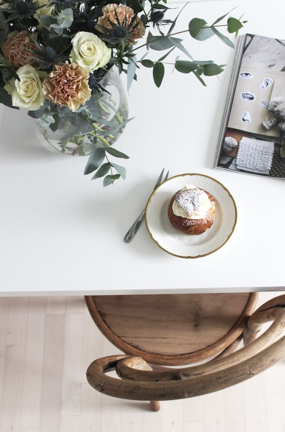 Friday flowers, semlor and Residence Magazine, via http://www.scandinavianlovesong.com/