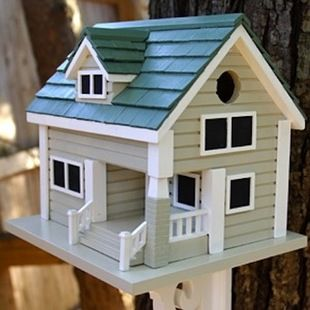 12 Birdhouses We Love - Long Island Birdhouse: Creative Birdhouses, Pretty Birdhouses, Birds Birdhouses, Birdhouses Fairies, Birdhouses Cottages, Island Birdhouse, Outdoor Birdhouses Feeders, 12 Birdhouses