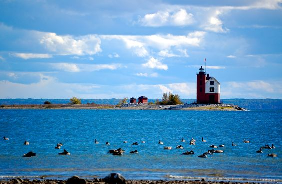 Round Island Lighthouse (Michigan) by Roland Young, via 500px
