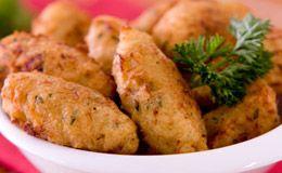 Bolinho de bacalhau: anote a receita com recheio de cream cheese.