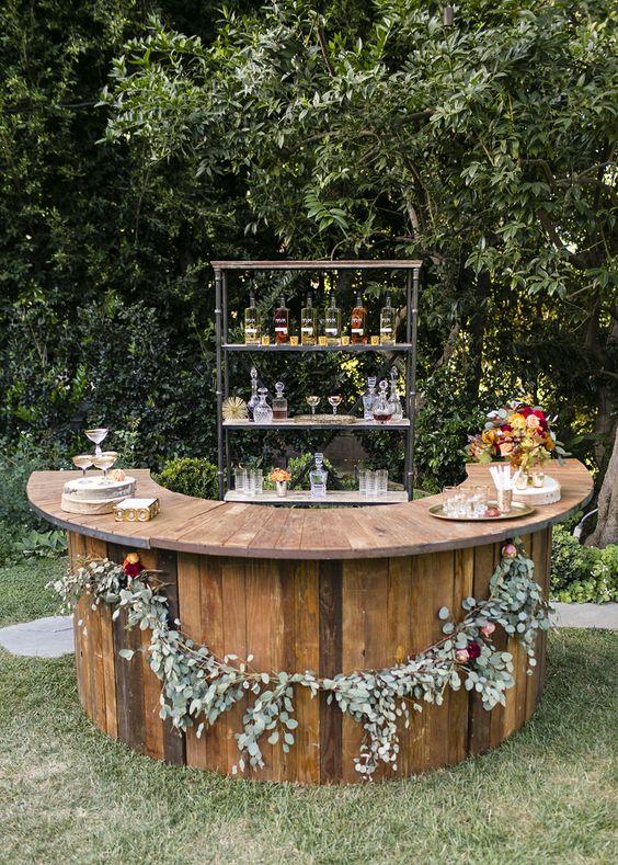 wedding bar ideas - photo by Jessica Lynne Studios http://ruffledblog.com/autumn-leaves-wedding-inspiration