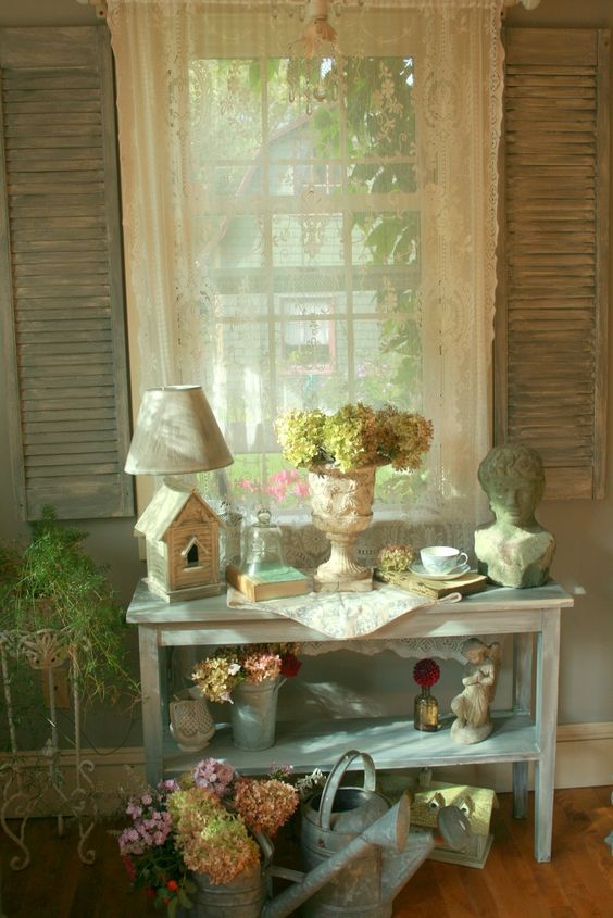 Aiken House & Gardens: A Garden Room Theme: Beautiful Flower, Decor Ideas, Shabby Chic, Gardens Decorations, Decorations Pretty, Room Theme, Lake House Bedrooms