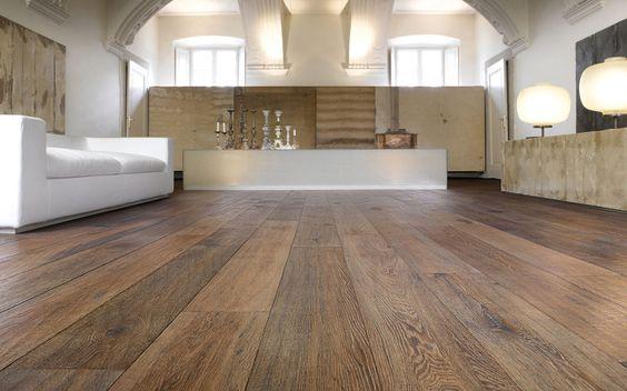 Si necesitas reparar tu viejo parquet, echa un vistazo a nuestro post:   http://floter.com/blog/restauracion-suelo-madera-madrid/