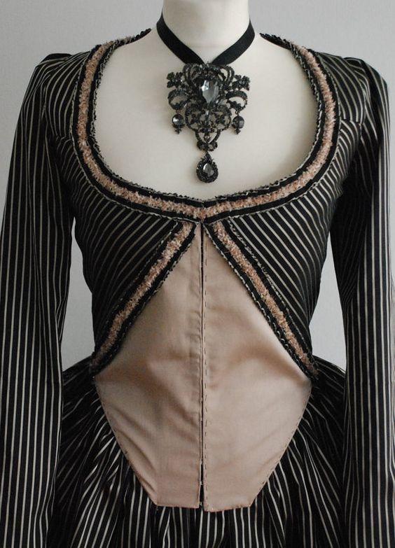 Rokoko Kleid Reproduktion Robe à l'Anglaise von BonnieInDisguise - also so ein KLeid würde ich auch gern einmal nähen.