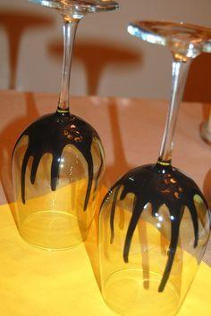 Una idea para decorar los vasos de tu fiesta. #halloween #deliciesterreta www.deliciesdelaterreta.com