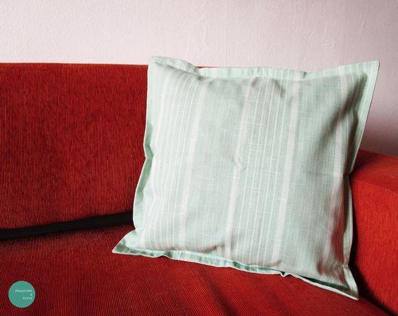 FUNDA COJÍN 003 Lona estampada-Medidas 45x45cm  $ 9.000 unidad  #funda #cojin #hechoenchile #cushion #cover #sofa