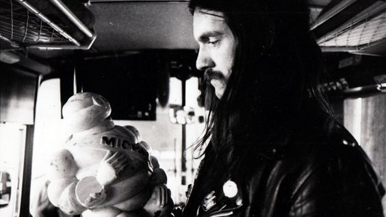 The story of Motorhead, a caravan in Finland, a fire, and a food fight
