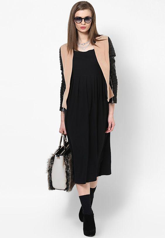 High Waist Pleated Dress $57.00 (24% OFF)  https://www.dollyfashions.com/alia-bhatt-for-jabong-high-waist-pleated-dress-3000586108.html?