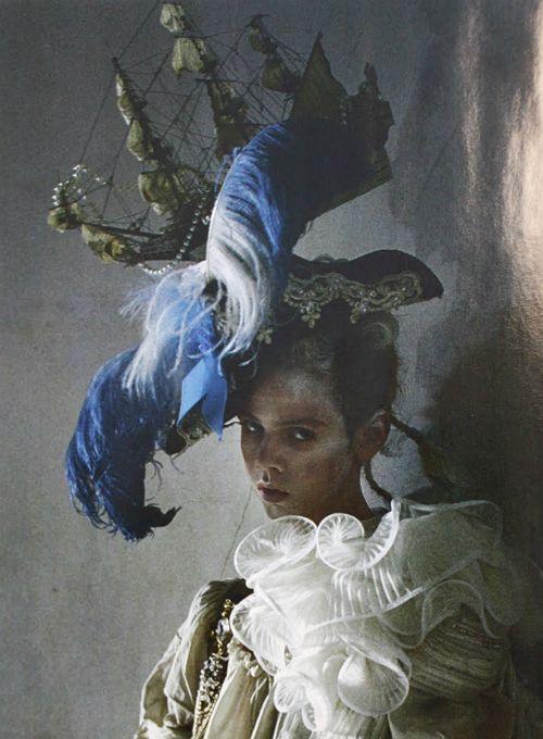 Lady Grey (Vogue Italia 03.2010)  photo de Tim Walker.