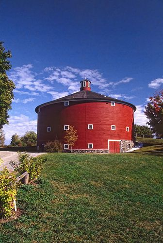 RED BARN~Round Barn, Shelbourne, VT