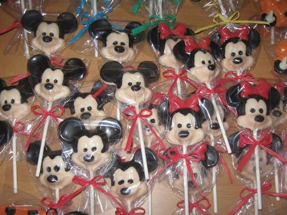 chocolate pops for minnie birthday party