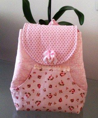 Acompanhe o passo à passo de como fazer uma mochila infantil.