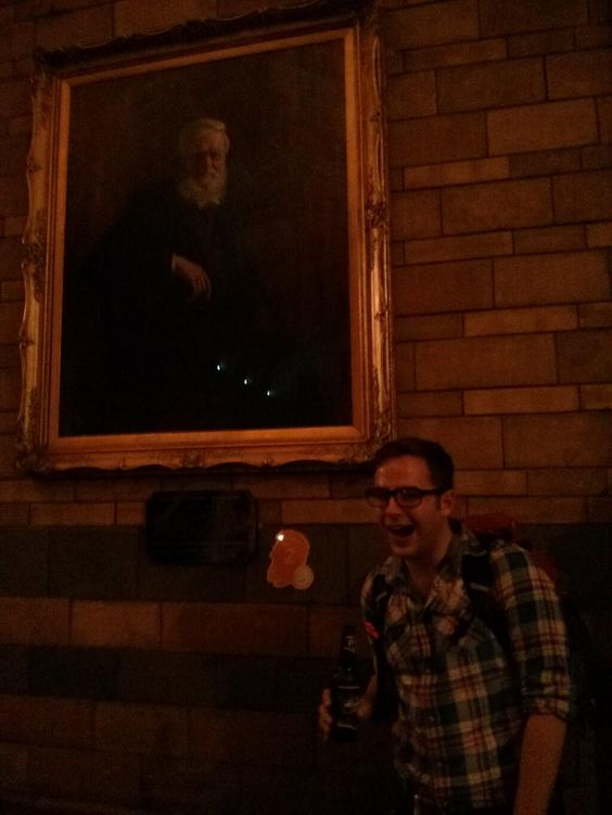 Twitter / josh_luke_davis: Having a beer with Alfred ...