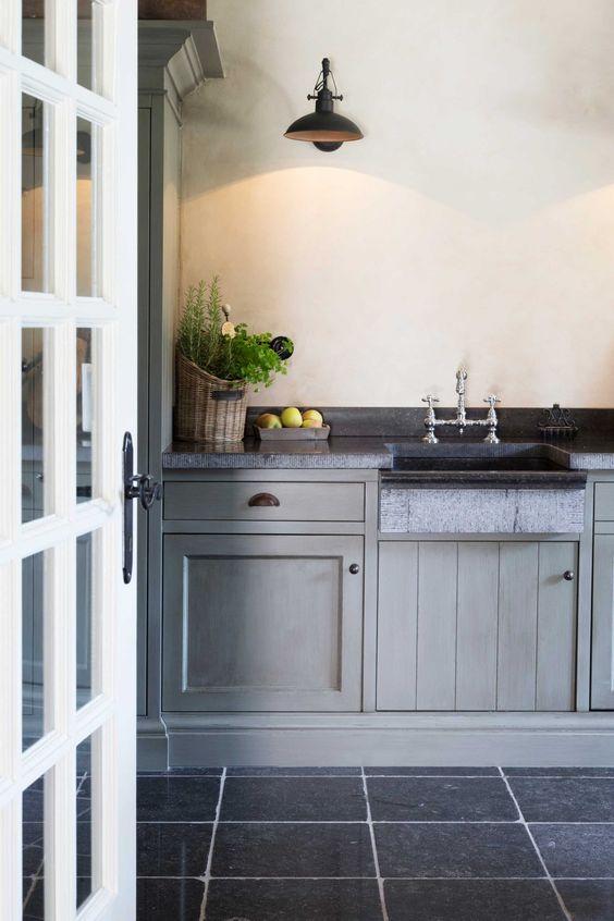•~••~• grey kitchen •~••~•