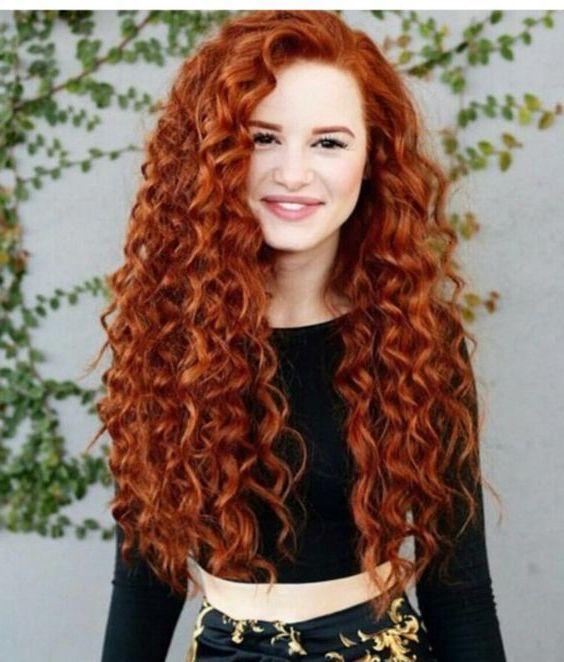 Welche Haarfarbe Passt Zu Mir Frisurentrends Mode Zenideen Rote Haare Rotes Haar Lockige Frisuren