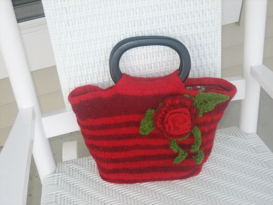 This is my first posted design pattern – Wendy Tote | Kaleido by Silkie B.