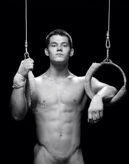 Gymnastic Naked Body 99