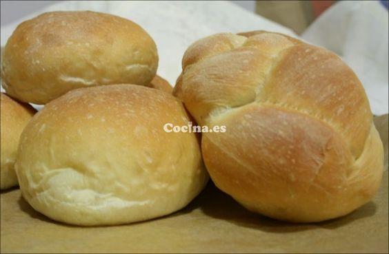 Pan para celíacos: http://pan-para-celiacos.recetascomidas.com/