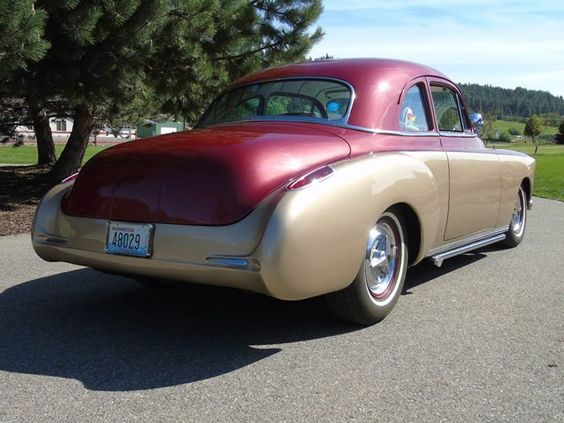 What Do You Get If You Cross A 1950 Oldsmobile With A 1963 Pontiac