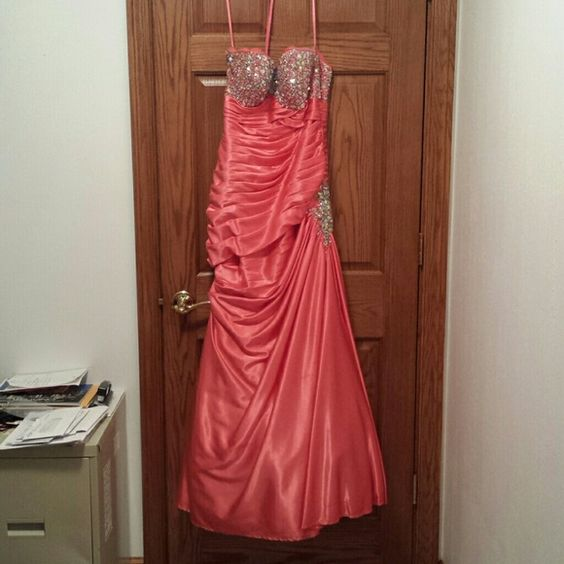 Brand new, worn once , coral prom dress Brand new , worn once, coral prom dress, also comes with matching corsage and boutonniere. Madeline Gardner  Dresses Prom