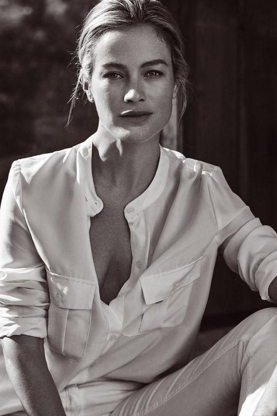 Carolyn Murphy pose for Stefanel Spring Summer 2016