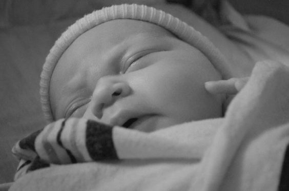 Newborn Love sealedBYskrelja photography
