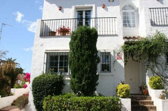 5 bedroom Townhouse in Marbella, Andalucia for sale with 3m2 of land - Reference 159361