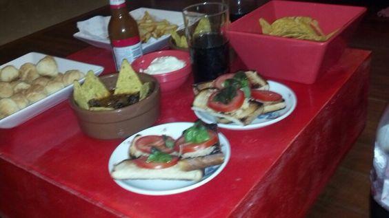 Brusquetas nachos coca