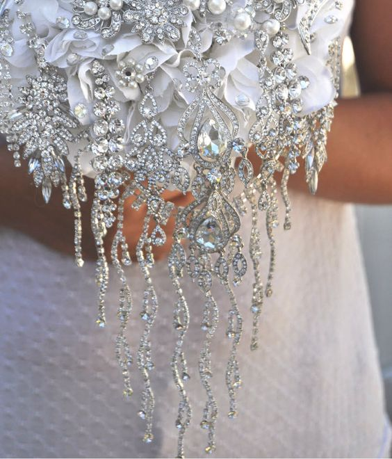 Detail of In Cascata by Blue Petyl #wedding #bouquet #cascading