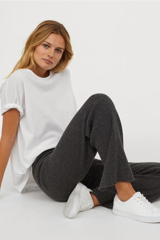 Вязаные кашемировые штаны в рубчик h