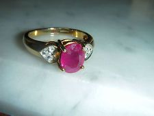 BEAUTIFUL ART DECO STYLE SOLID 9 CT GOLD 3.00 CARAT OVAL RUBY & DIAMOND RING