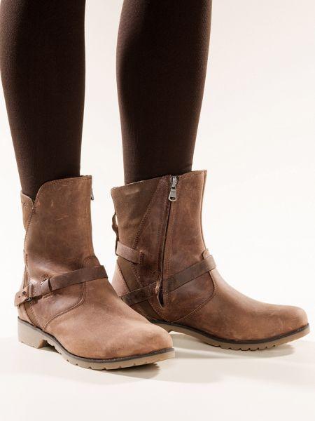 If you buy only 1 boot make it Women&39s Teva De La Vina Ankle