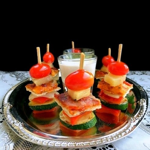 Easy Pizza Skewers - Easy Pizza Skewers is a deliciously stunning appetizer recipe that can be made with pizza, seasonal veggies-fruits and fits perfectly into the Holiday season.