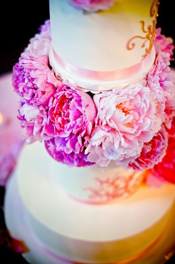Pink Peonies cakes - #wedding #peonies great for romatic or elegant style cakes. peonies come in so many colors can match alomst any theme.