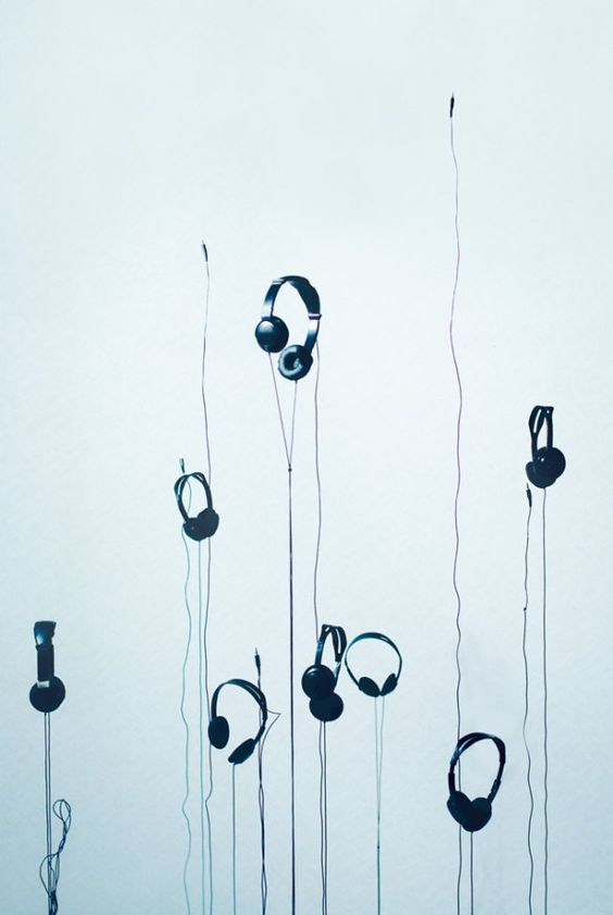"""Headphones what do you thing for this image of my new story """"deejays"""" on wattpat"""