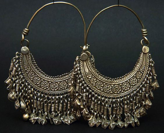 Afghanistan | Silver hoop earrings from the Hazara people | ca. 1940 | 110€: