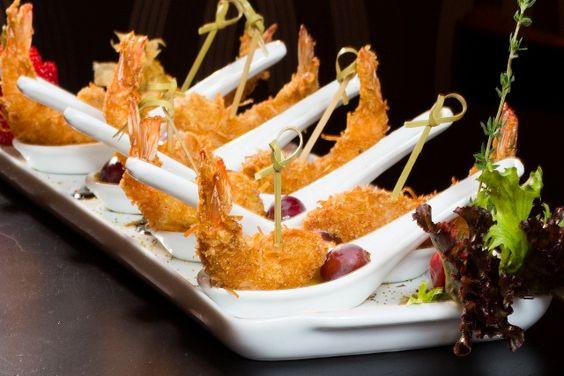 finger food com camarão empanado