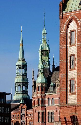 Speicherstadt mit St. Katharinen Kirche