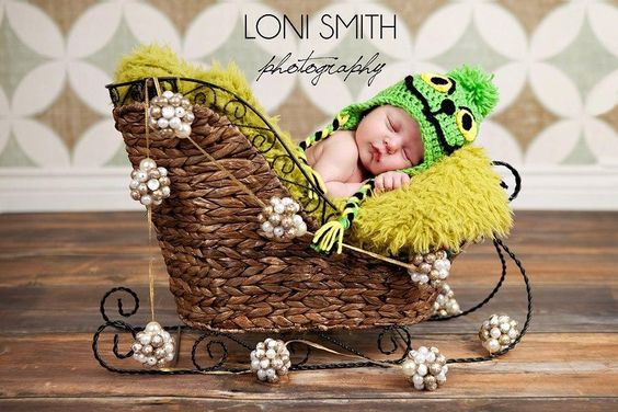 Looking for your next project? You're going to love Baby The Grinch Hat - 5 Sizes by designer Sissy280.