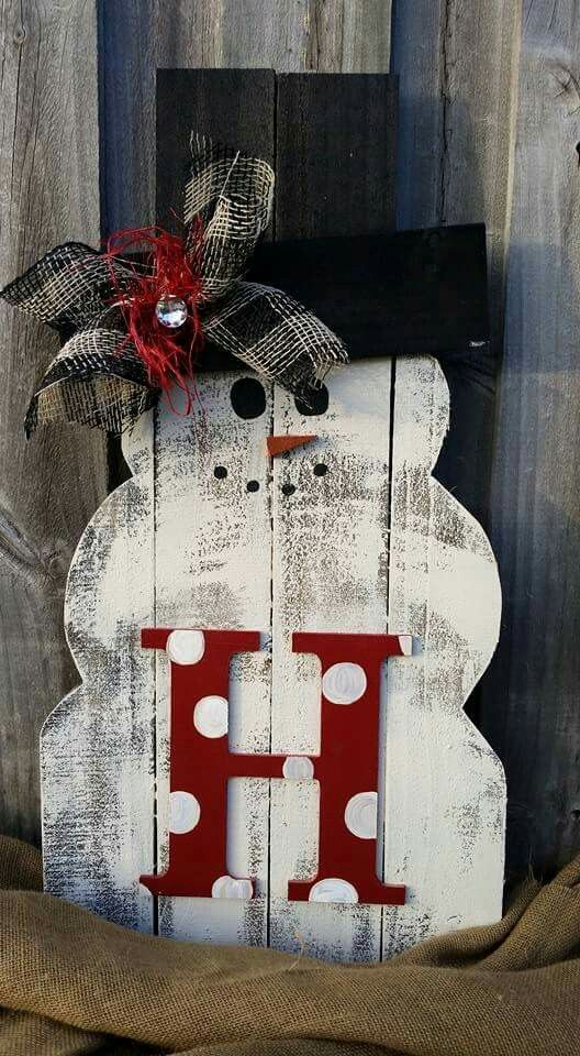 Pallet snowman:
