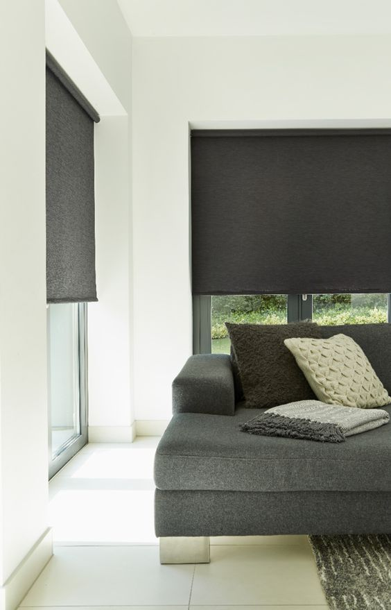Cream and black creates a softer monochrome look. Mix smooth and soft textures create a cosy room. Our Fresh Black Roller blinds is a great addition to this look!