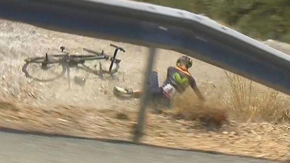 Rojas sufre una fractura de tibia abierta a la altura del tobillo por la caída #... - http://www.vistoenlosperiodicos.com/rojas-sufre-una-fractura-de-tibia-abierta-a-la-altura-del-tobillo-por-la-caida/